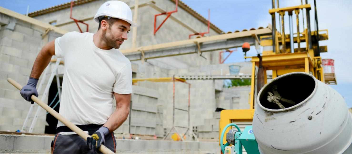 Название профессии бетонщик произошло от названия строительного материала