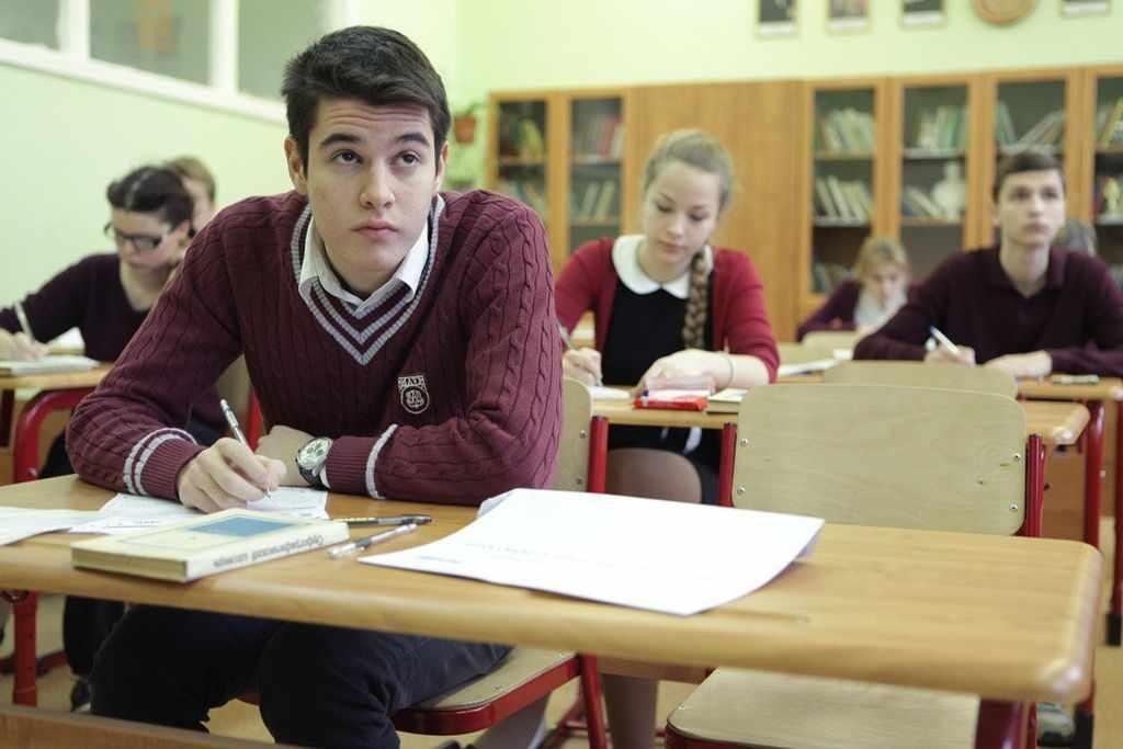 Поступление в средне-специальные учебные заведение дает возможность быстро начать работу