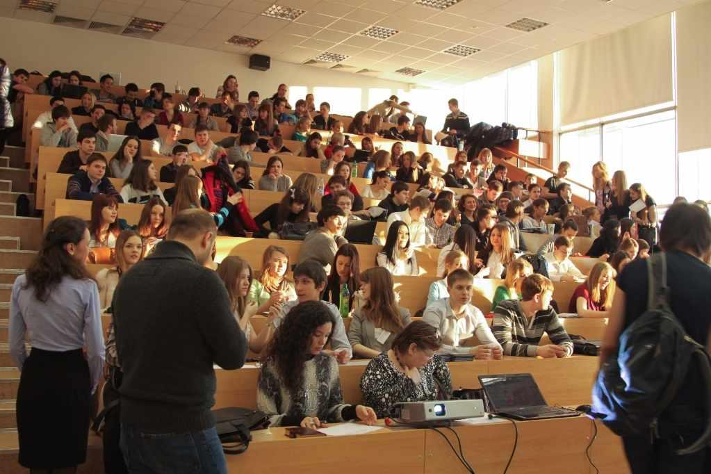 Самые доступные программы дистанционной магистратуры стоят от 40 тысяч рублей