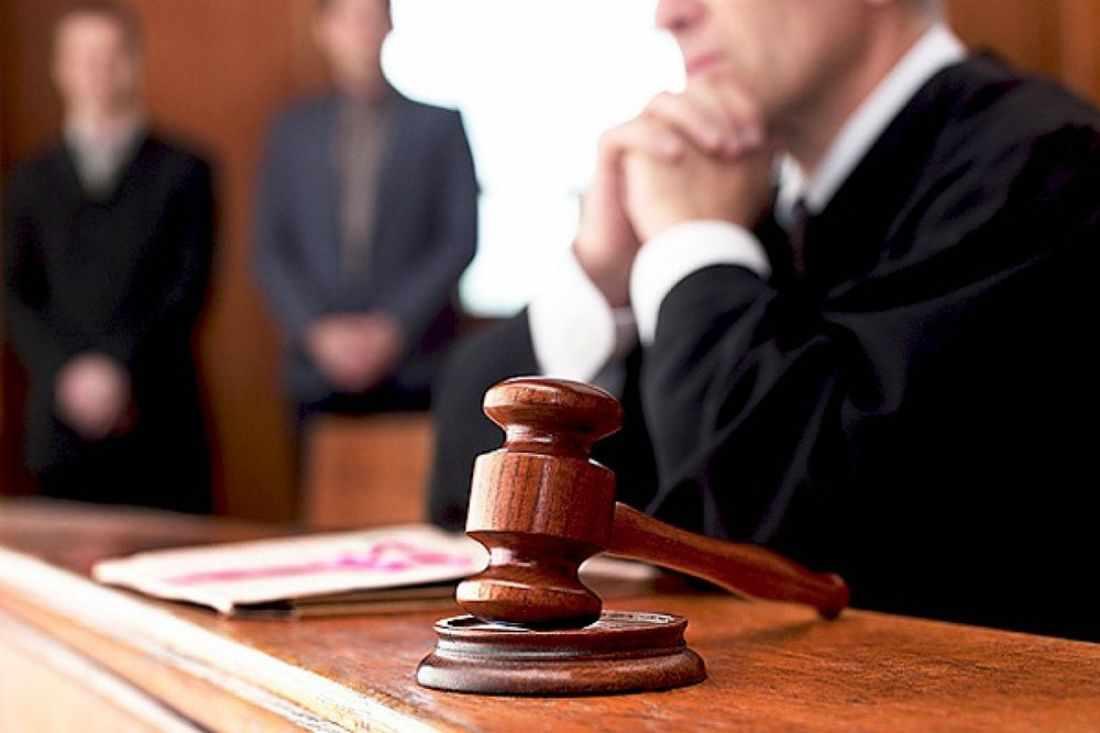 Судья — лицо, входящее в состав суда и осуществляющее правосудие, в современной теории разделения властей — лицо, наделённое судебной властью