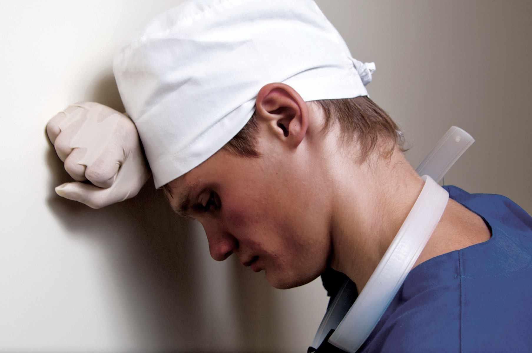 Уровень зарплат в России у врачей очень не высок