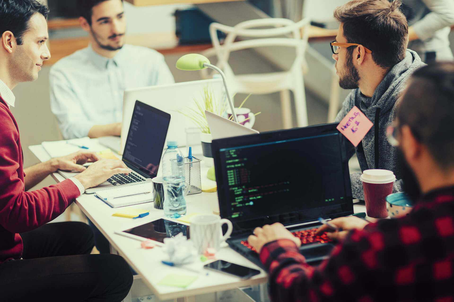 Программисты на рабочем месте