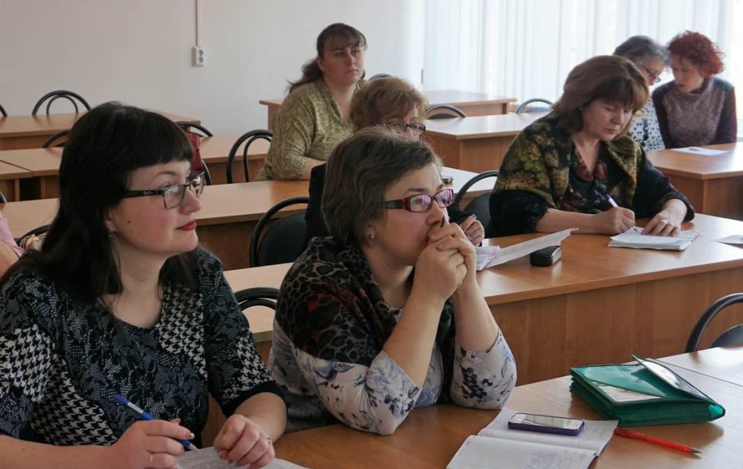 Занятия проходят в свободном режиме через доступ к порталу учреждения