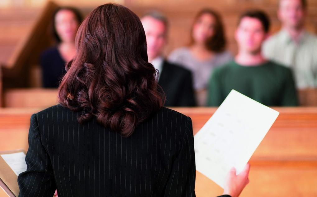 Самым независимым участником судебного процесса считается адвокат
