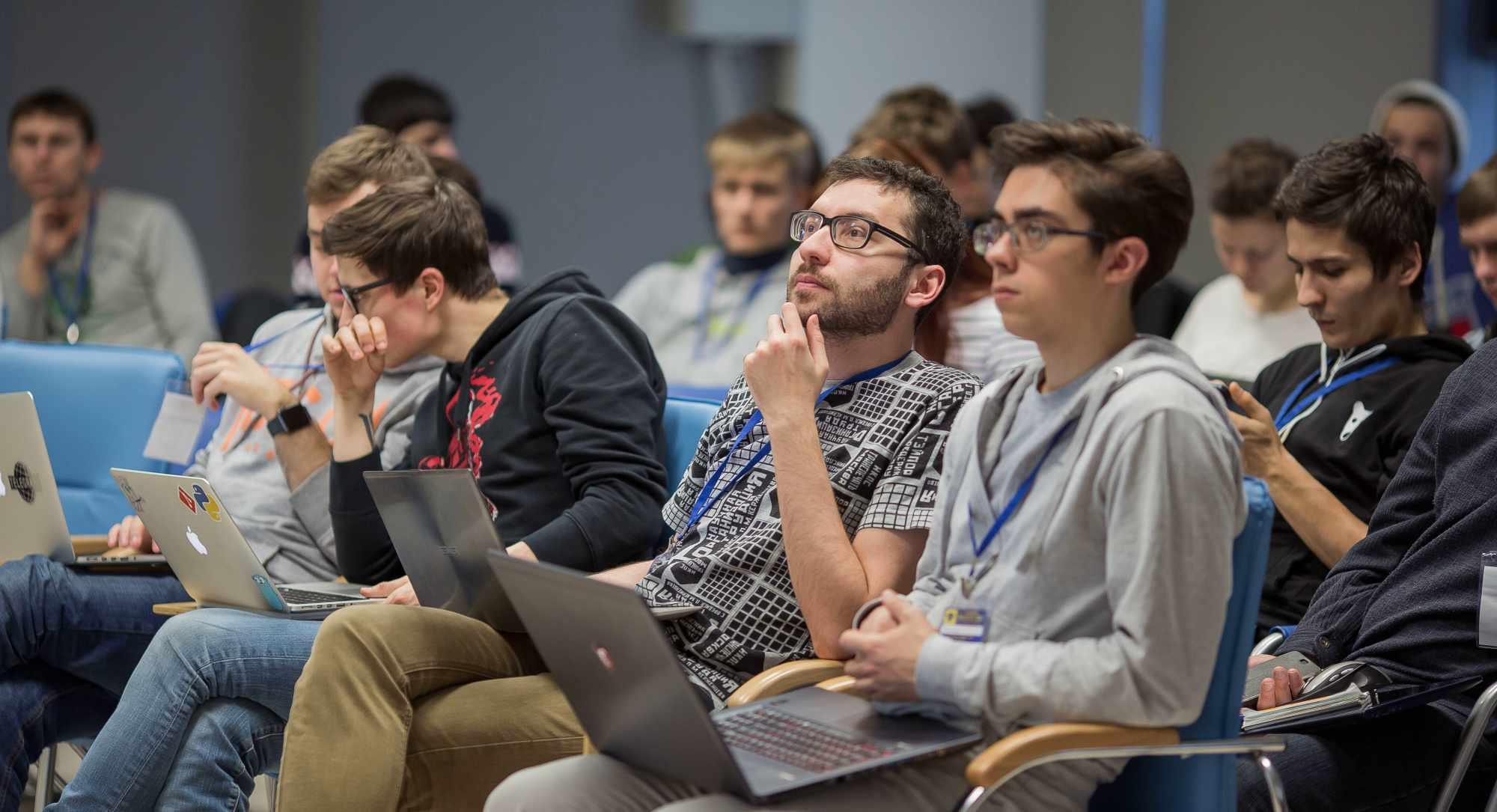 Студенты программисты