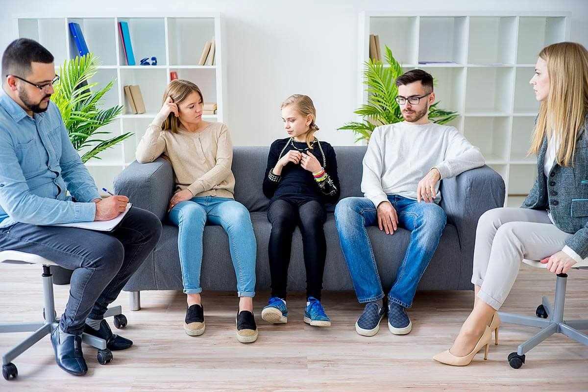 Специалист по клинической психологии может построить карьеру как семейный психолог