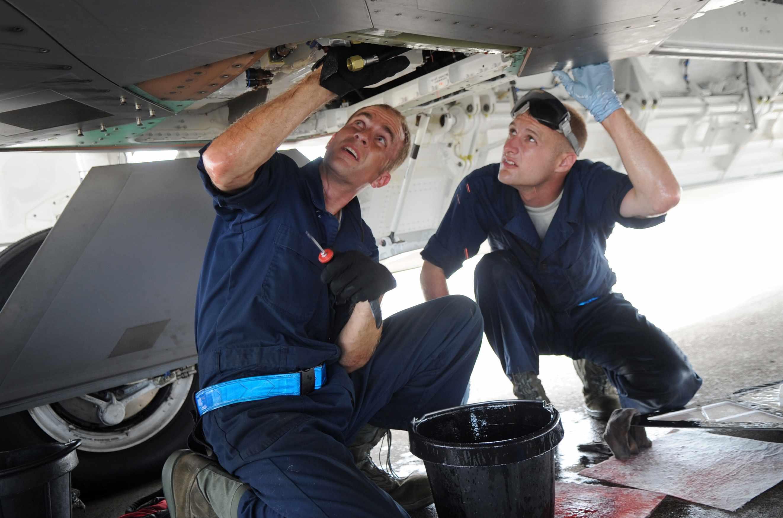 Специалист по эксплуатации авиационных электросистем