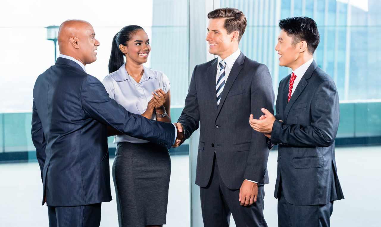 Представитель профессии должен владеть искусством ведения переговоров с целью урегулирования конфликтных ситуаций