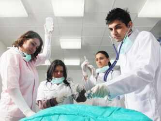 Поступить в медицинский колледж