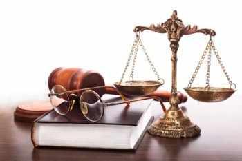 Стоит ли учиться на юриста заочно